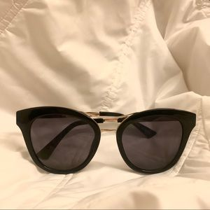 NWOT! Urban Outfitters Oversized Sunglasses